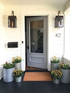 Best Modern Farmhouse Front Door Entrance Design Ideas Best Modern Farmhouse Front Door Entrance Design Ideas ~ Home Design Ideas - Add Modern To Your Life Front Door Entrance, Front Door Decor, Front Entrances, Front Stoop, Front Porch Lights, Porch Doors, Front Door Planters, Front Entry, House Doors
