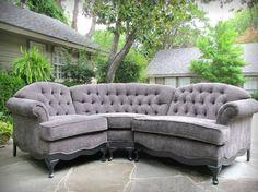 Antique sofa re-done Types Of Furniture, Furniture Making, Furniture Ideas, Home Furniture, Antique Sofa, Vintage Sofa, Refinished Furniture, Upholstered Furniture, Classic Chic