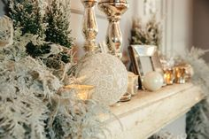 Christmas fireplace  #federicaambrosinifloraldesign #christmas #xmas #fireplace #candles