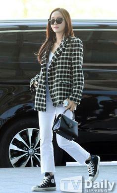 Airport Fashion Kpop, Kpop Fashion, Asian Fashion, Daily Fashion, Girl Fashion, Airport Outfits, Travel Fashion, Krystal Jung Fashion, Jessica Jung Fashion