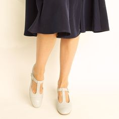 1960s Leather Powder Blue Mary Janes - 8.5 on Etsy, $50.00