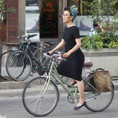 Bike Chic. Queen Street West