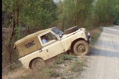 Land Rover 88 Serie III soft top canvas discovering new ways to life.