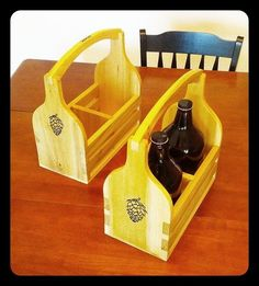 Beautiful design on this growler tote or growler carrier