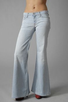 70's Fashion bell bottom jeans - Making Its Comeback!