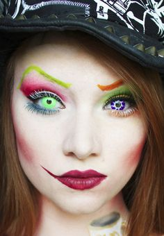Mad as a Hatter Halloween Makeup! Just really like the lip makeup for the mad hatter Mad Hatter Makeup, Mad Hatter Tea, Mad Hatters, Cool Halloween Makeup, Halloween Kostüm, Halloween Costumes, Disney Costumes, White Rabbit Makeup, Mad Hatter Costumes