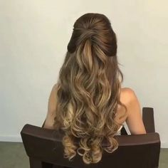 59 pretty prom hairstyle ideas for curly long hair 58