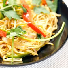 Shirataki Noodle Recipes: The No-Carb Pasta (PHOTOS) - instead of regular pasta and rice - awesome way to eat your pasta and rice dishes without the guilty feeling! No Carb Recipes, Diet Recipes, Cooking Recipes, Healthy Recipes, Noodle Recipes, Tortellini, Penne, Zero Calorie Noodles, Low Carb