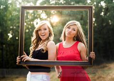 Get your senior pictures done with your best friend! www.roehphotography.com