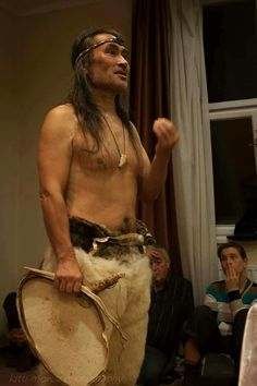 "Credit ""I am NOT an entertainer I am a keeper of my ancestors' heritage. And this is my work and duty"" (Hivshu) ""Я не человек, который вас развлекает. Я хранитель наследия моих предков. И это моя работа и долг"" (Хившу)"