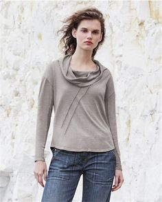 Poetry - Cowl neck sweatshirt-style top in the green tone Soft Slate color - A great casual top in marled, sweat-shirt style colours and a drawstring cowl neckline. Neat, boxy fit with full-length sleeves and a curved hemline. 55% hemp 45% cotton