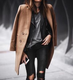 Camel coat outfit Women of style Street Style Outfits, Mode Outfits, Fashion Outfits, Fashion Trends, Fashion Mode, Style Fashion, Fall Winter Outfits, Autumn Winter Fashion, Shop Carol
