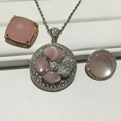 Fiesta pendant base with 3 interchangeable xpressions