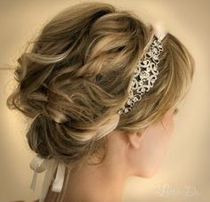love that hair accessory.