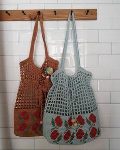 Diy Crochet And Knitting, Crochet Tote, Crochet Handbags, Love Crochet, Filet Crochet, Lace Knitting, Crotchet Bags, Knitted Bags, Crochet Phone Cover