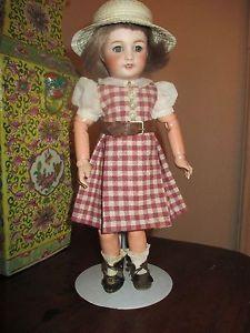 pour-Bleuette-robe-en-lainage-d-039-apres-CARRELAGE-de-GL-annee-1937