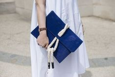Accessory Stalking at Paris Haute Couture Fashion Week This nautical bag is ready for the beach! Diy Clutch, Clutch Bag, Blue Clutch, Diy Fashion, Fashion Bags, Couture Fashion, Fashion Outfits, My Bags, Purses And Bags