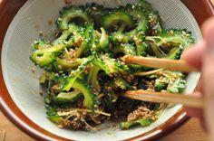 簡単ゴーヤ料理(ごま和えやおひたし)の写真