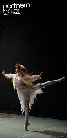 northernballet:  Julie Charlet as The Ghost of Christmas Past in Northern Ballet's A Christmas Carol. Photo 2009, Bill Cooper. (via A Christmas Carol photos | Northern Ballet)