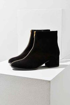 b14ca806619 Vagabond Suede Daisy Zipper Ankle Boot