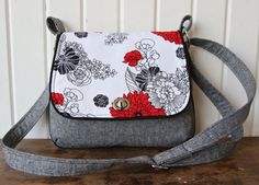 Several patterns for suitable bags. FREE The Lilac Mini Messenger - PDF Sewing Pattern Handbag Patterns, Bag Patterns To Sew, Sewing Patterns Free, Free Sewing, Quilted Purse Patterns, Free Pattern, Pattern Sewing, Messenger Bag Patterns, Mini Messenger Bag