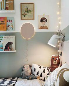 Ballonglampan jag pysslade ihop finns att läsa om i senaste numret av @familyliving #barnrum #kidsroom #barnerom #diy #familylivingfint