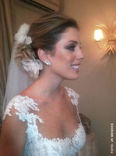 Vestido com uma 'manga' linda e delicada #vestido #noiva