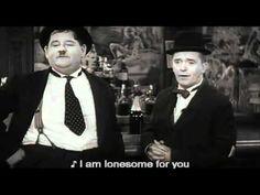 Laurel y Hardy interpretan 'Trail of the Lonesome' en la película de 1937 'Way Out West'.