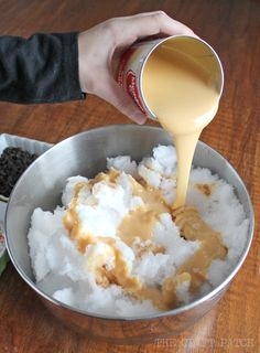How to Make Three Ingredient Snow Ice Cream - The Craft Patch The main ingredient in this delicious homemade ice cream is SNOW! How to make snow ice cream from fresh, fluffy snow and only two other ingredients. Snow Ice Cream, Waffle Ice Cream, Snow And Ice, Snow Icecream Recipe, Snow Recipe, Custard Ice Cream Recipe, Ice Cream Recipes, Snow Cream Recipe Condensed Milk, Cinnamon Ice Cream