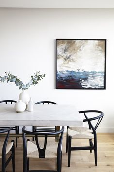 White Dinning Table, Concrete Top Dining Table, Oak Dining Room, Black Dining Chairs, Modern Dining Table, Dining Table Chairs, Dining Area, Black And White Dining Room, Deco Paris
