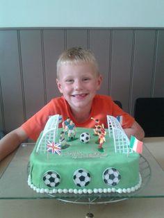 Voetbal taart Stef zn 6e verjaardag