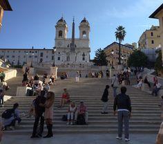 Escadaria da Piazza di Spagna, após uma grande reforma financiada pela joalheria romana Bulgari. Grazie Bulgari #roma #rome #receitaitaliana #receitas #receita #recipe #ricetta #cibo #culinaria #italia #italy #cozinha #belezza #beleza #viagem #travel #beauty #piazzadispagna #scalinataditrinitàdeimonti #bulgari #spanishsteps