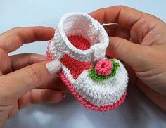 Popular Baby Booties Tutorial - ilove-crochet