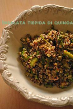 Insalata tiepida di quinoa con zucchine, piselli e tonnetto
