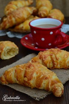 Gabriella kalandjai a konyhában :) Hungarian Desserts, Hungarian Recipes, Cooking Challenge, Croatian Recipes, Food Website, Sweet And Salty, Croissant, Food Inspiration, Bread Recipes