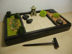 Zen garden Pond - Raking Landscape, Rock Garden and Japanese Pond DIY Kit Desk Zen Garden, Zen Rock Garden, Garden Rake, Mini Zen Garden, Zen Garden Design, Garden Pond, Japanese Sand Garden, Zen Desk, Garden Stones