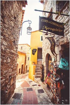 cobbled streets of Eze France | Image by Yana Photography