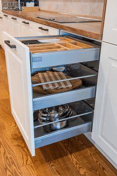 #kitchendrawers #kitchenstorage #kitchenorganization #modernkitchen #kitchendesign #kitchenfurniture #whitekitchen #wooddetails  #kitchenideas #KUXAstudio #KUXA #KUXAkitchen #bucatariemoderna #bucatarie Kitchen Drawers, Shoe Rack, Stove, Modern, Gifs, Kitchen Appliances, Organization, Furniture, Design