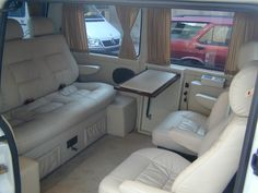 Interior of a Mercedes Vito. Camper Interior Design, Bus Interior, Custom Car Interior, Mercedes Interior, Private Jet Interior, T3 Vw, Mercedes Benz Vito, Luxury Van, Kombi Home