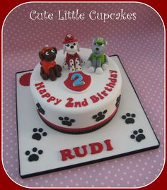 Paw Patrol themed cake Baking Cupcakes, Yummy Cupcakes, Cupcake Cakes, Friends Birthday Cake, Paw Patrol Cake Toppers, Cake Decorating Icing, Happy Birthdays, Paw Patrol Birthday, Small Cake