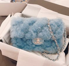 There are lots of luxury and well designed Chanel bags in the stores this season. I mean, who doesn't like a Chanel bag? Luxury Purses, Luxury Bags, Luxury Handbags, Sacs Louis Vuiton, Baby Blue Aesthetic, Aesthetic Bags, Aesthetic Shoes, Sacs Design, Accesorios Casual