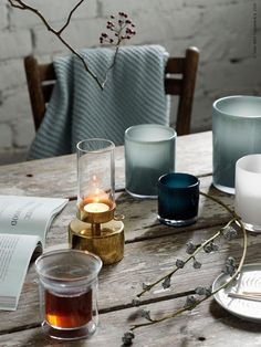 IKEA has plenty of ideas on how to decorate your home for Christmas. The IKEA Chistmas rooms are warm and with plenty of hygge.