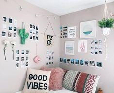 Awesome Minimalist Dorm Room Decor Inspirations on A Budget (room inspiration minimalist) Bedroom Pictures, Bedroom Images, Bedroom Pics, Bedroom Inspo, Girls Bedroom, Bedroom Designs, Bedroom Inspiration, Room Wall Decor, Bedroom Wall