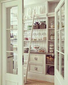 ���������������� #valencia#cupcake#cake#mutfak#cakebytheocean#şekerleme#candy#çikolata#bread#şampanya#wine#2017#beverages#salı#foods#günaydın#kitchenware#şıksunumlar#cosy#huzur#white#dekor#design#mimari#interior#pinterest#indoor#evimevimgüzelevim#turkey#ankara �� http://turkrazzi.com/ipost/1520933243754254720/?code=BUbcLoZDhGA