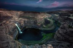 Today we're daydreaming about chasing waterfalls in Palouse Falls.