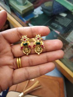 Gold Jhumka Earrings, Jewelry Design Earrings, Gold Earrings Designs, Gold Earrings For Kids, Gold Jewelry Simple, Baby Earrings, Gold Bangles Design, Gold Jewellery Design, Ear Rings