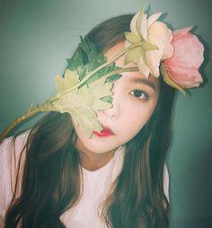 """leaderirene: """" """"red velvet x flowers """" """" Kpop Girl Groups, Korean Girl Groups, Kpop Girls, Irene Red Velvet, Black Velvet, Kim Yerim, Sooyoung, Kpop Aesthetic, Ulzzang Girl"""