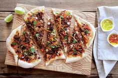 Korean BBQ Pizza - Make delicious beef recipes easy, for any occasion Korean Bbq, Vegetable Pizza, Beef Recipes, Asia, Easy Meals, Vegetarian, Food, Meat Recipes, Essen