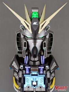1/35 RX-93 Nu Gundam Head Display - Painted Build