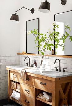 Modern bathroom sinks to emphasize small bathroom design - latest decorModern bathroom sinks to emphasize small bathroom design. Tiles wood storage space color design how to refresh a bathroom with Modern Farmhouse Bathroom, Rustic Bathrooms, Rustic Farmhouse, Farmhouse Style, Farmhouse Ideas, Pottery Barn Bathroom, Master Bathrooms, Rustic Style, Rustic Wood